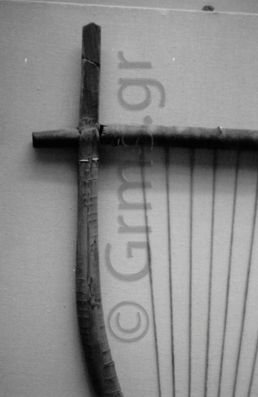 Εικ. 23α. London, British Museum. Χέλυς Έλγιν: ο αριστερός πήχυς και ο αρμός του με το ζυγό.