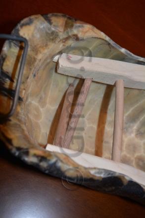 Εικ. 42. Η στερέωση των πήχεων στο κέλυφος με εγκάρσιες δοκούς.