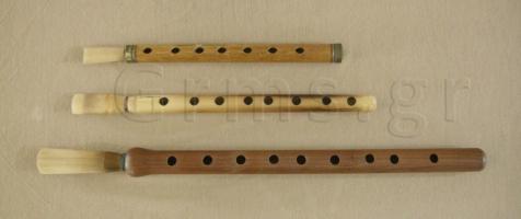 Εικ.33α. Κινεζικό quanzi (πάνω) και αρμενικές duduk (μέση, κάτω): άνω όψη.